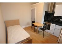 First floor studio to rent in Cricklewood. Inc all bills, except electric. Single occupant only