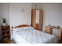 Large double room in lovely house in Tooting Bec. Available 13/11