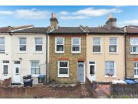 Brand New 3 bed 2 bath house in East Croydon. Available immediately.