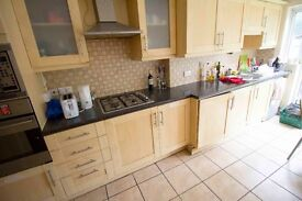 Cheap Double room to rent in East Acton