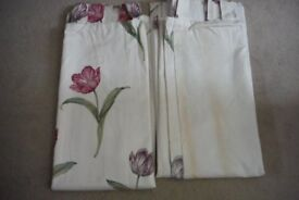 """Pair of Montgomery Lined Hopped Floral Curtain - Width 48"""" x Drop 50"""""""
