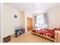 Wimbledon - beautiful two bedroom flat
