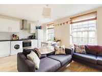 Large 3 double bedroom apartment close to Oval underground station