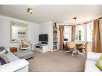 A bright 2 bed flat in a gated mews situated in Clapham Old Town. Sycamore Mews, SW4