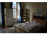 Spacious, fully furnished double room in well-located two-bedroom flat (West End)