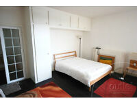Russell Square - Fantastic large studio flat with day porter