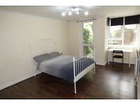 Lovely LARGE Double Room, Private Garden / Poplar Area, ZONE 2 / All Bills Inc / Avail 24th December