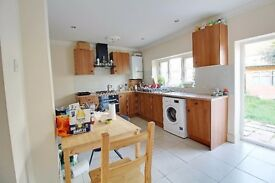 Spacious 6-7-bedroom Terraced House to Rent