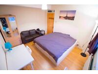 **FREE WIFI,BILLS AND CLEANING** Double rooms in modern property 3 minutes from station. Hackney