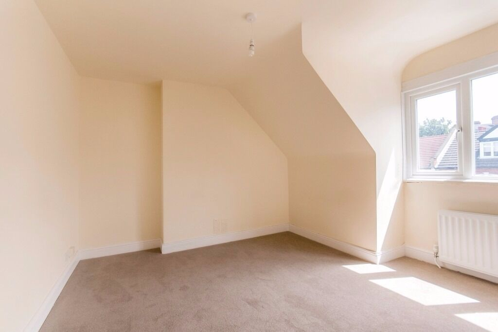 LOVELY SPLIT LEVEL LOFT 2 BED APERTMENT IN WEST HAMPSTEAD 3 MINS WALK FROM WST HAMPSTEAD STNS