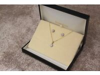 Ernest Jones Diamond Accent & 9ct Gold Necklace & Earring Set