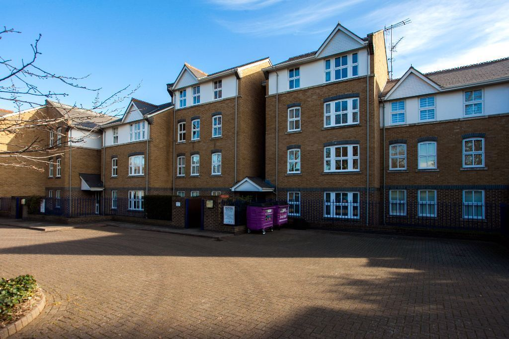 Very large (with loft space) 1 bedroom flat moments away from Bow Tube station and DLR.
