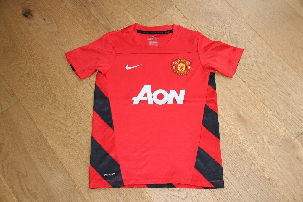 newest 4a788 cab98 Manchester United kit / training shirt, age 8-10 years, Nike with AON logo.  new condition | in Cambridge, Cambridgeshire | Gumtree