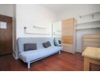 Modern, Bright, Spacious, Well Presented, Wood Floors, Neutral Decor