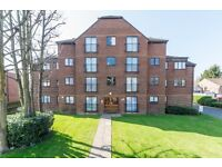 Refurbished 2 double bedroom, third floor flat, situated minutes walk from Anerley Station SE20.