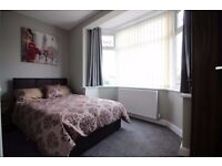 HIGHEST QUALITY EN SUITE ROOM WITH MINI KITCHENETTE CLOSE TO DRI £85 p/w
