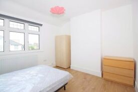 DOUBLE ROOM **ZONE 2 - AVAILABLE NOW**