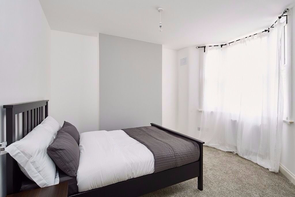 2 bed immaculate apartment at a great location