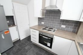 Three Double Bedrooms - Armley - New Refurb - White Goods Included