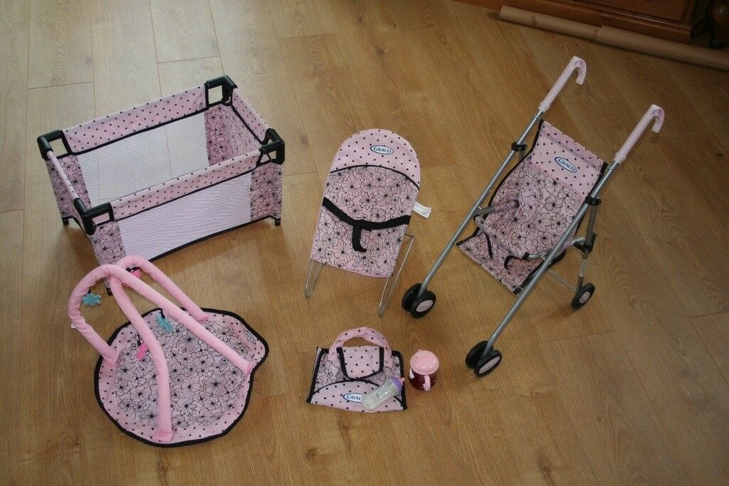 Graco kids toys, pushchair, sleeping cot, baby bouncer, floor mat.