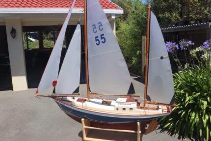 Radio controlled yacht , Rena