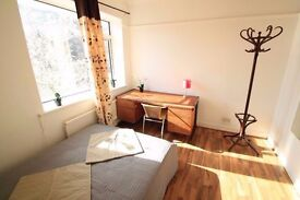 Look at this nice double room available in MAY! 27p