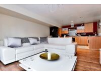 Fantastic two double bedroom property set within a gated development. - Manor Way