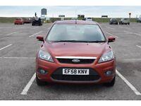 Ford Focus 1.8 Zetec 5 DR Hatchback Low Mileage, FSH, Air Cond. long MOT.