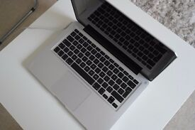 """MacBook Pro """"Core i5"""" 2.3 13"""" Early 2011 - Good Condition"""