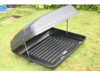 USED BLACK KAR-RITE 300/400/500 SERIES ROOF BOX.