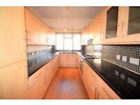 Large Three bedroom Town House Close to West Norwood Station, Available NOW