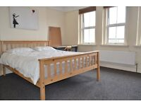 *LARGE 3 BEDROOM APARTMENT ON WANDSWORTH HIGH STREET, NEXT TO SHOPPING CENTRE*