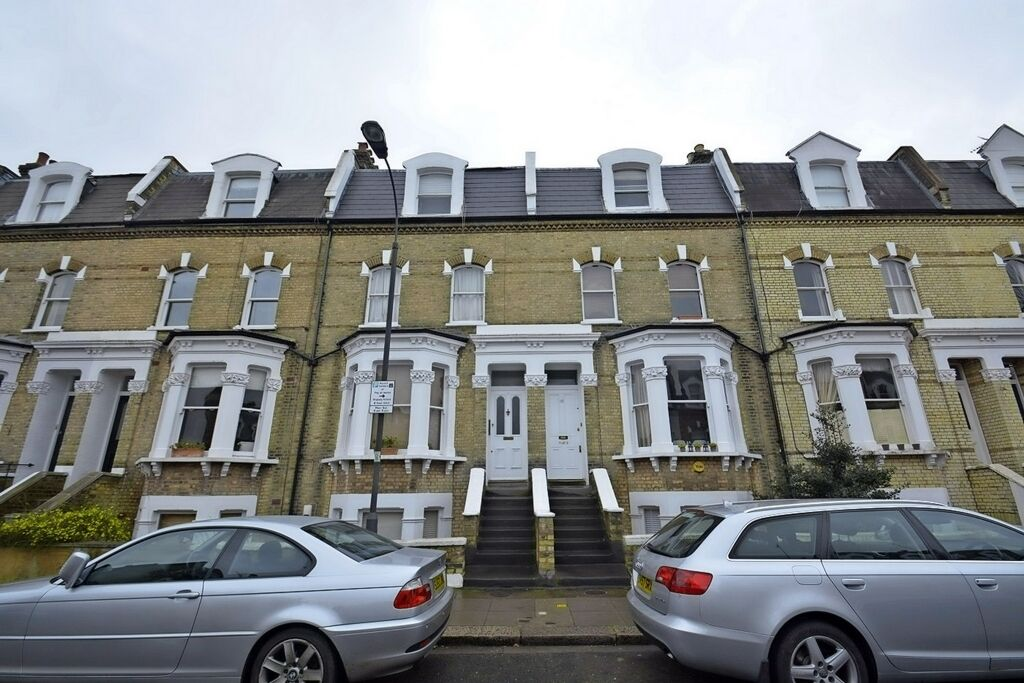 2 bedroom flat in 35/6, Fulham Park Gardens, Parsons Green, SW6