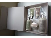Clarendon and Co Bath Gift Set