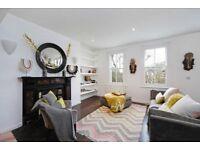 Spectacular Roof Terrace! 2 Bedroom Top Floor Flat - Great Location - Earls Court - SW5