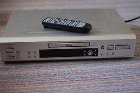 Quality Onkyo DVD player, model DV-SP500
