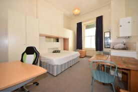 Large studio flat on Grenville place, ALL BILLS INCLUDED, IDEAL FOR STUDENTS