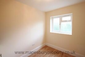Top Floor Studio to Rent in NW2 Willesden Green - Near Station - Council Tax & Water Bills Included