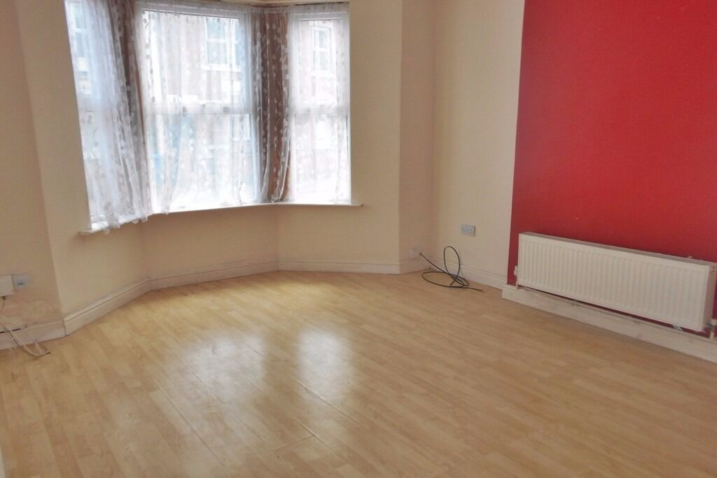 Spacious 1 Bed Flat on Walbrook Road, Cavendish