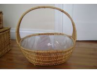 WICKER PLASTIC LINED BASKET