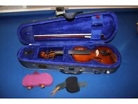1/16 Stentor student violin and case