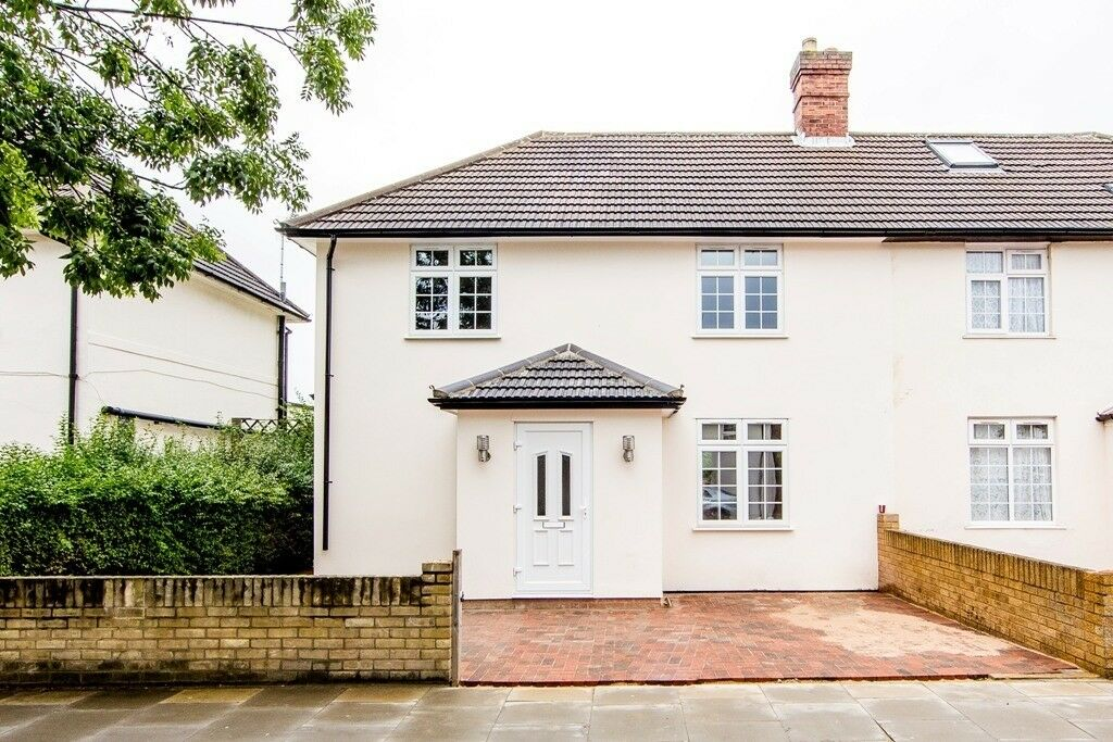 four bedroom house in west Acton, | in Ealing, London ...