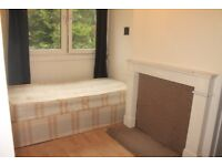 *PROPERTY TO RENT* Large Single Room In CAMDEN !!