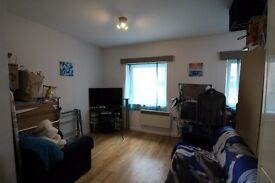 2 Bedroom Flat, Furnished, Large Open Plan Lounge, Cricklewood, £1,500