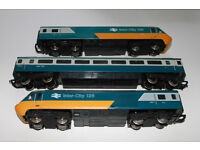 OO GAUGE HORNBY INTERCITY 125 WITH CARRIAGE,