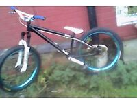 Bmx dirt stunt bike mint condition hardly been used £100