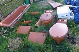 Vintage retro 1970s bathroom and cloakroom suites in autumn tan job lot FREE!!!!!