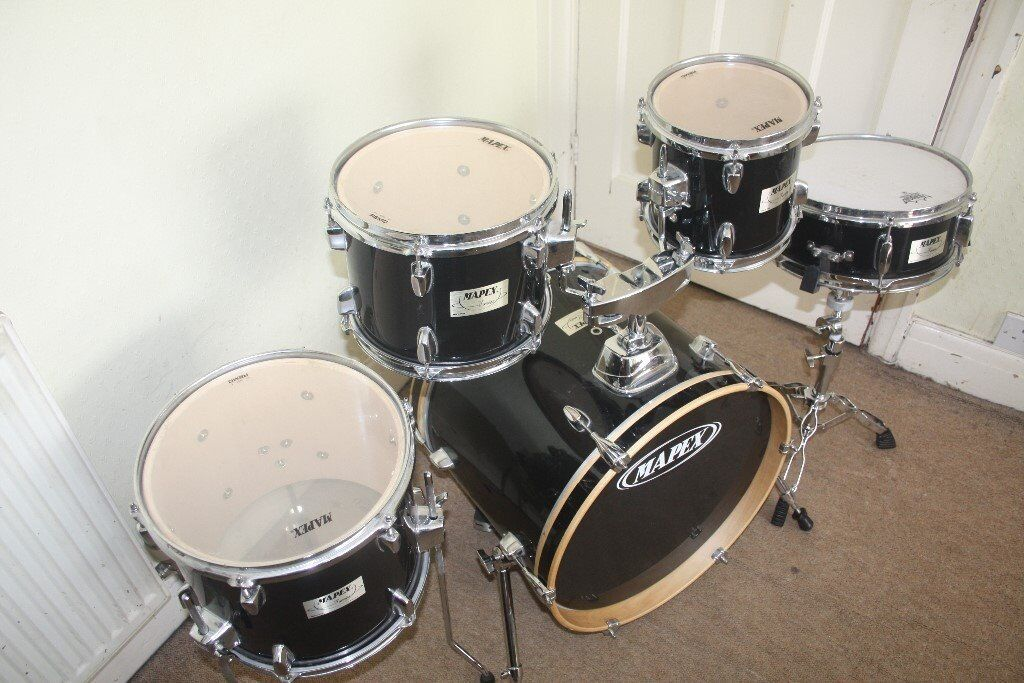 Mapex v black 5 piece drum kit with 8in 10in 12in toms for 13 inch floor tom