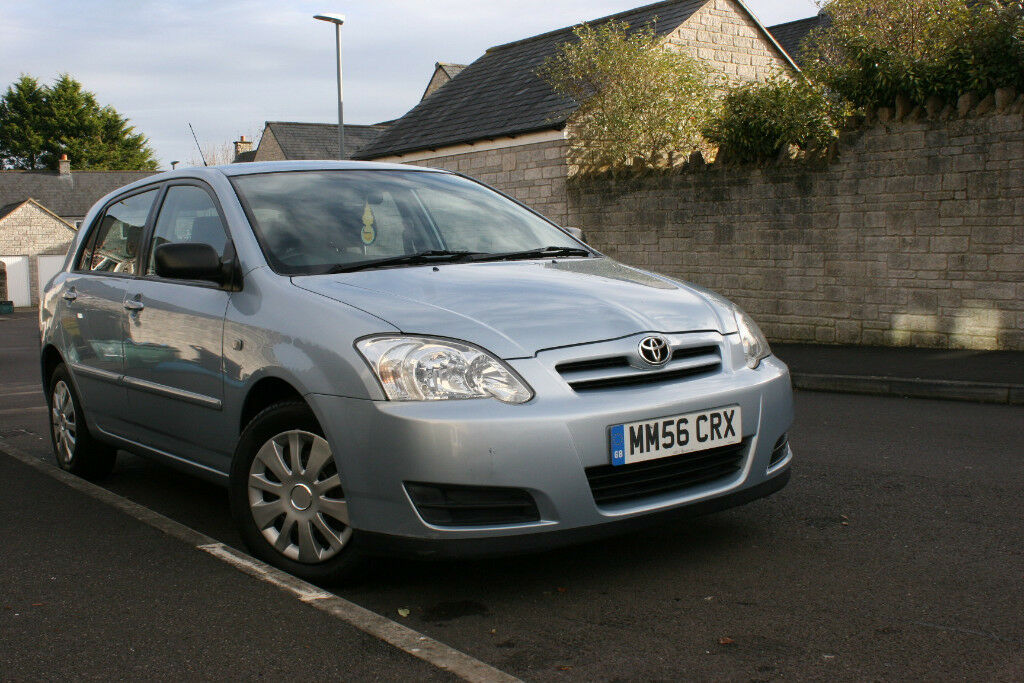 Toyota Corolla 56 plate, newly serviced, MOT March 18, well cared for family car. £3000 ono