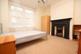 3 bedroom flat to let in Shepherds Bush